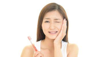 こんな症状があったらあなたも歯周病かも?